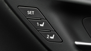 新型クラウンのマイコンプリセットドライビングポジションシステム
