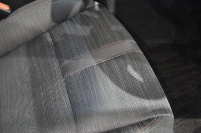 クラウンスリートブラックファブリックシートのシートクッション部分
