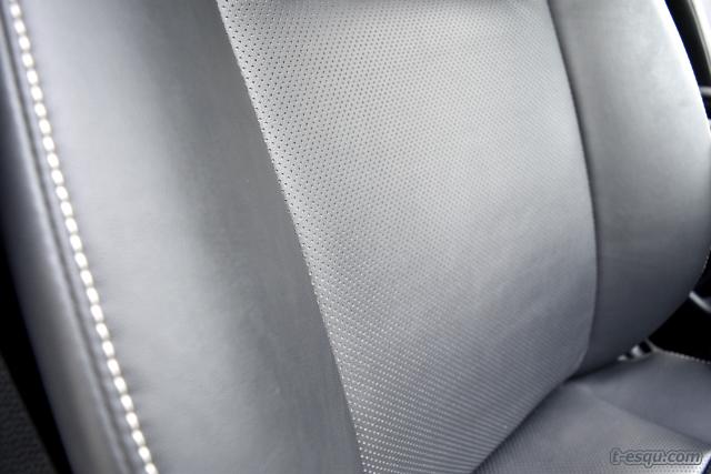 エスクァイアの運転席・助手席の質感