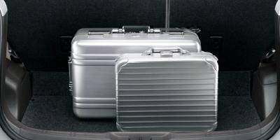 スペイド4WDの荷室