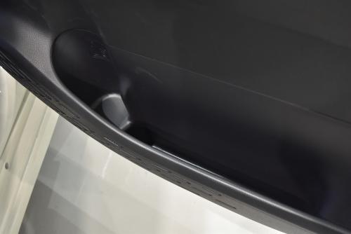 ノアの運転席側のドアポケット