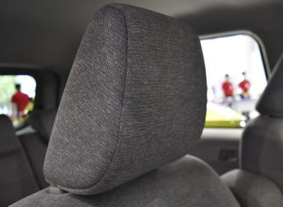 パッソXシリーズのシートのヘッドレスト部分の質感