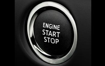 ヴォクシーのエンジンスタートボタン