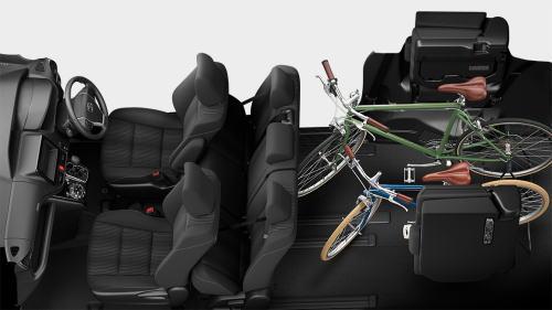 自転車も積める「チップアップシート」機能