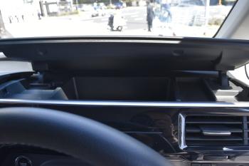 運転席側インパネアッパーボックスのオープン時