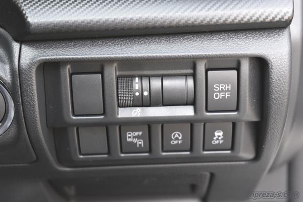 インパネ右側のスイッチ類