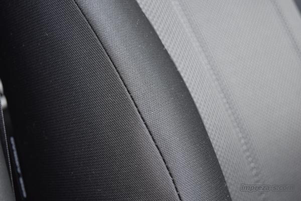 インプレッサスポーツ1.6のシート表皮はトリコット