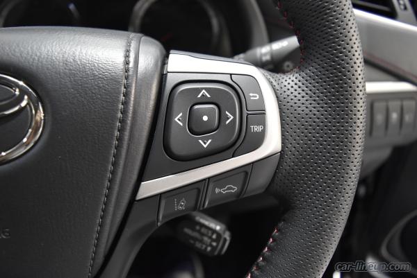 ハリアーターボのマルチインフォメーションディスプレイの操作ボタンとトリップボタン