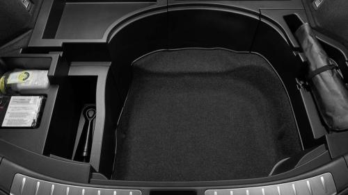 ハリアーのデッキボード下にも収納スペース