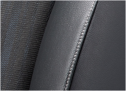 シャトルハイブリッドXのシート表皮