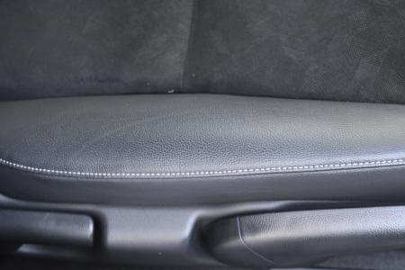 ハイブリッドX ホンダセンシングのシート表皮デザイン
