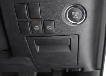 ヴェルファイアの運転席ロアボックス