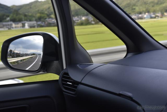 時速90~100キロでは、ヴォクシーの静粛性は高いレベル
