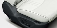 運転席10Wayパワーシート&シートメモリー(アクティブ・ドライビング・ディスプレイ連動)