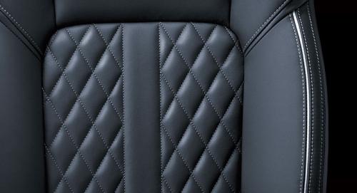 PHEV・Sエディションのシート表皮(本革・合成皮革、人工皮革)