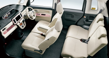 特別仕様車 ホワイトアクセントリミテッドSAⅢ・車内空間(ピンク)