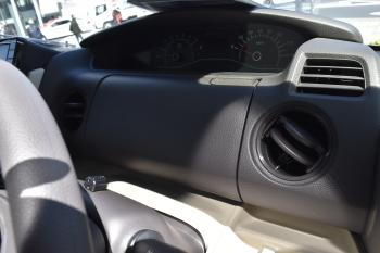 NBOXの運転席アッパーボックス