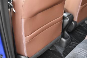 ヴェゼルの運転席、助手席シートバックポケット