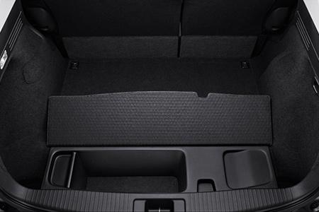 ヴェゼルハイブリッド車の荷室下の収納スペース容量は11L