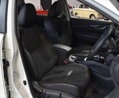 エクストレイル標準車のシート