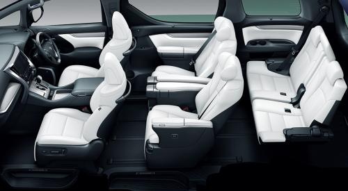 ブラック&ホワイト内装・車内空間
