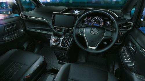 特別仕様車 Giプレミアムパッケージ・ブラックテーラード(Premium Package・Black-Tailored)インパネ回り