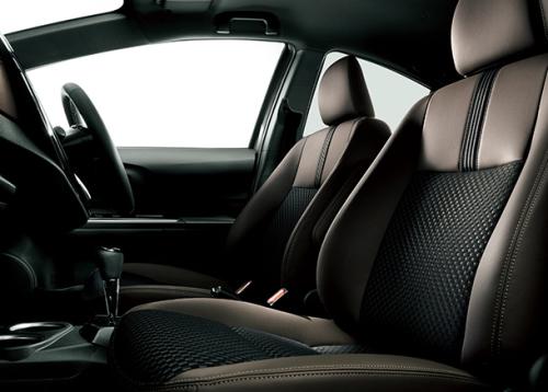 特別仕様車 クロスオーバー グラムの内装・車内空間