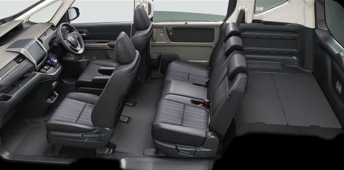 ブラック内装(フリード+)車内空間