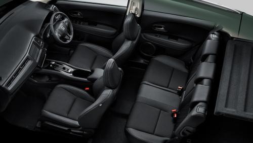 パッションブラック内装・車内空間