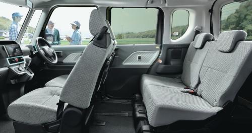 タントの内装・車内空間