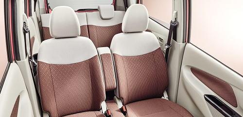 デイズX モカセレクションのシート表皮はライトブラウンとアイボリーのスエード調クロス