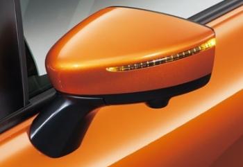 ノートのオートライトシステム+電動格納式サイドミラー