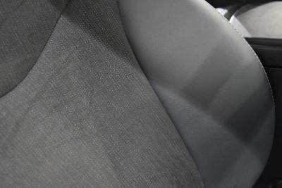 """プリウスαG/G""""ツーリングセレクション""""のブラックのシートサイドサポート&背もたれ部分"""