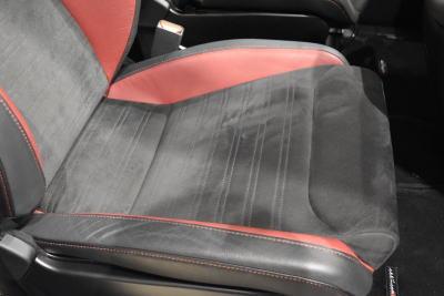 専用チューニングRECARO製スポーツシートの座面部分