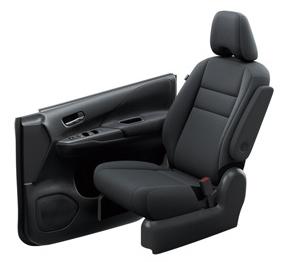 セレナ標準車のブラック色のシート