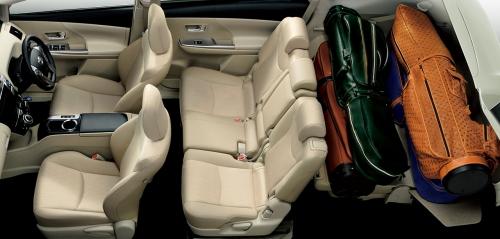 プリウスαの7人乗りのシートアレンジ・サードシートチルトダウンモード
