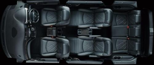 エルグランドの7人乗りのシートアレンジ・セカンドシートリラックスモード